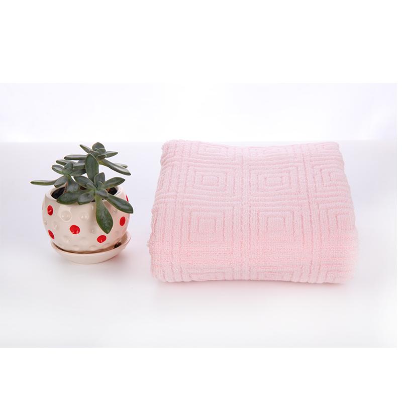 3307竹纤维柔软高吸水提花浴巾新品68包邮送方巾哟